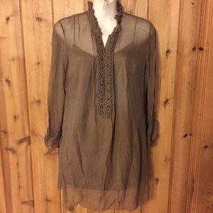 Elie Tahari Brown long sleeve blouse.